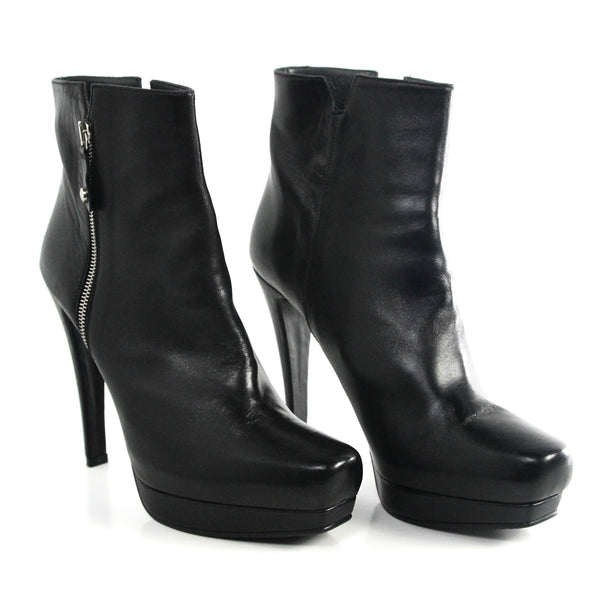 Stuart Weitzman Leather Zip Boot