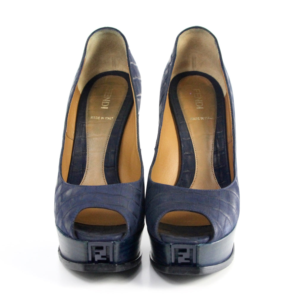 Fendi Leather Navy Pump