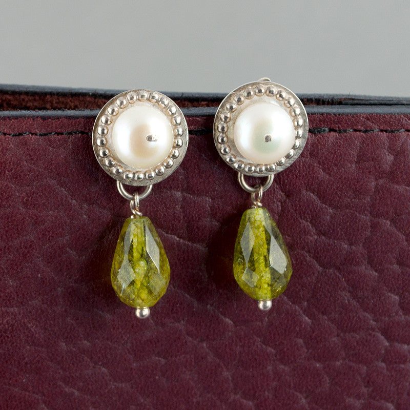 Venus Gemstone Drop Earrings - Pearls and Green Quartz - Sinclair Jewelry - 2