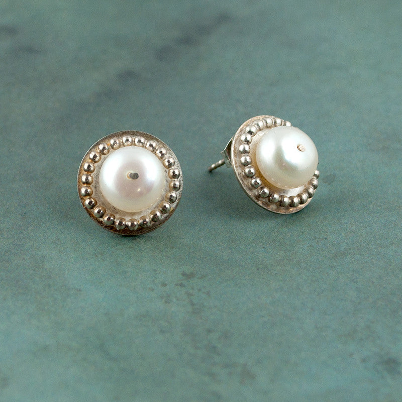 Venus Pearl Stud Earrings - Sinclair Jewelry - 2