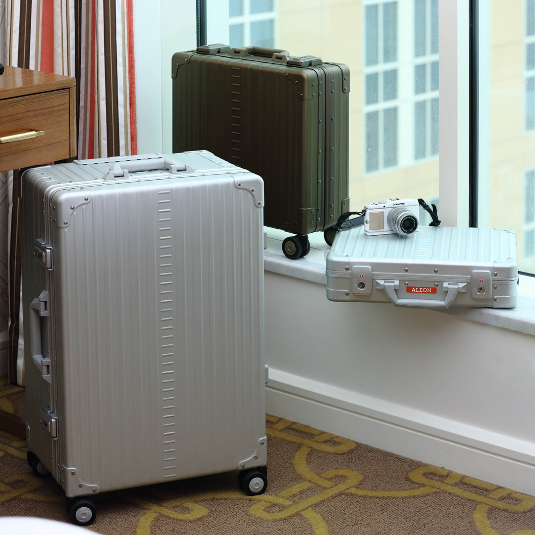 Understanding the Differences between Hardside & Softside Luggage