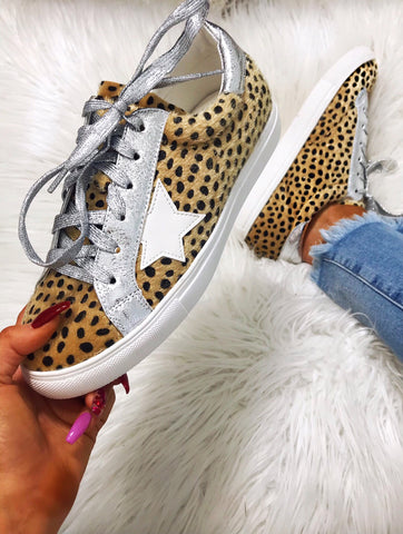 Tiebreaker Cheetah with Silver White Star Sneakers