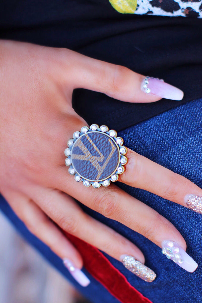 Large Print LV Bling Adjustable Size Round Ring