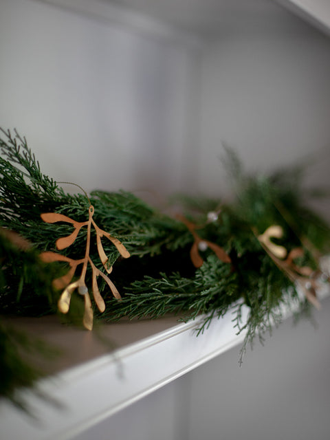 Mistletoe Brass Garland