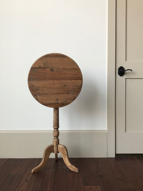 Pine Tilt-Top Table
