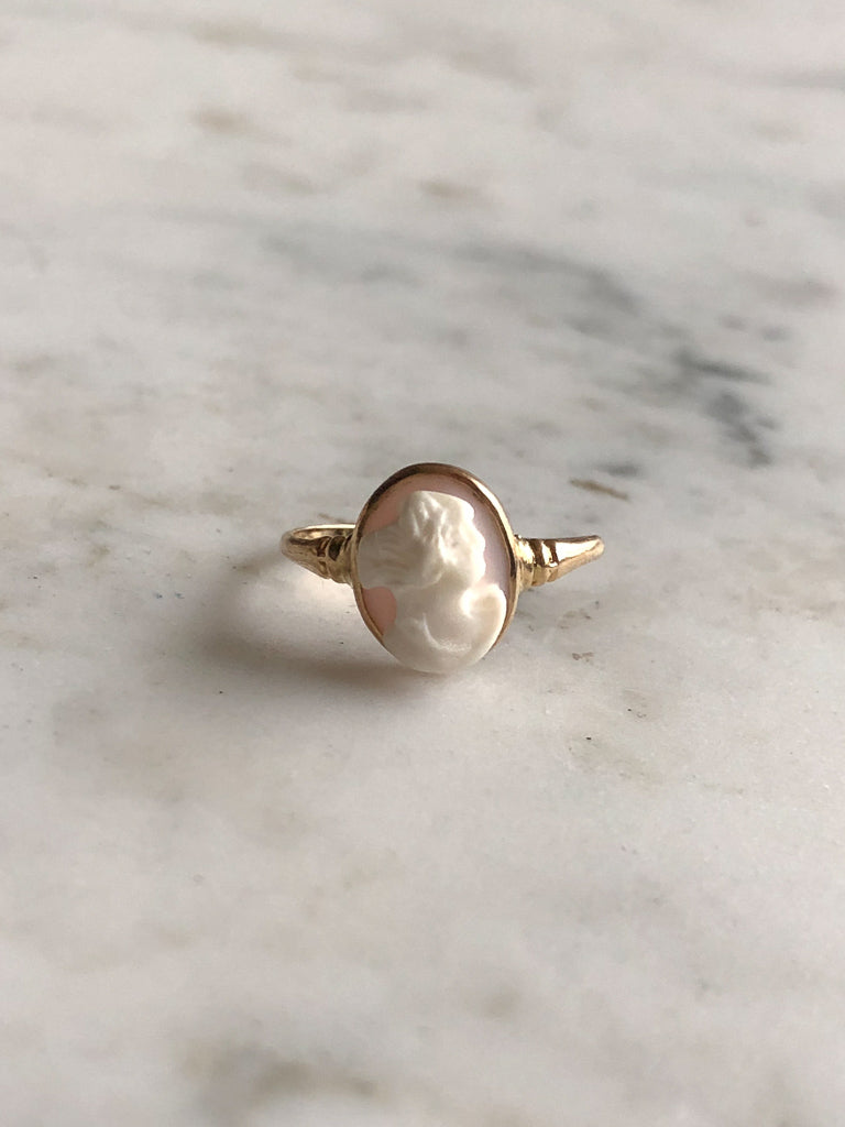 Carved Shell Cameo Ring
