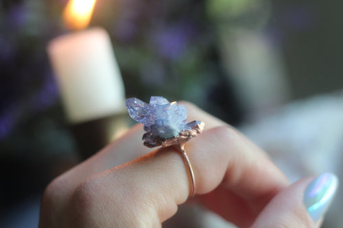 Size 7 ; Blueberry Aura Cluster Ring