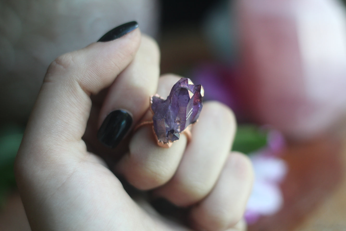 Size 7; Plum Aura Ring