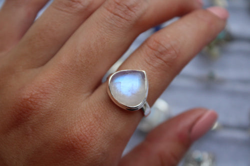 Size 9; Moonstone Ring