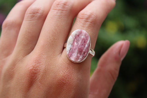 Size 9.5; Rough Tourmaline in Quartz Ring