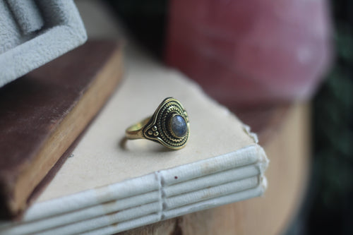 Size 9; Gold Labradorite Ring