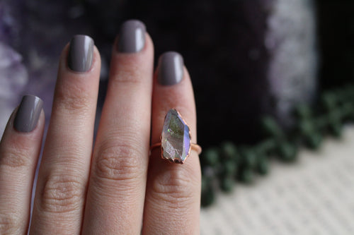 Size 4 ; Angel Aura Ring