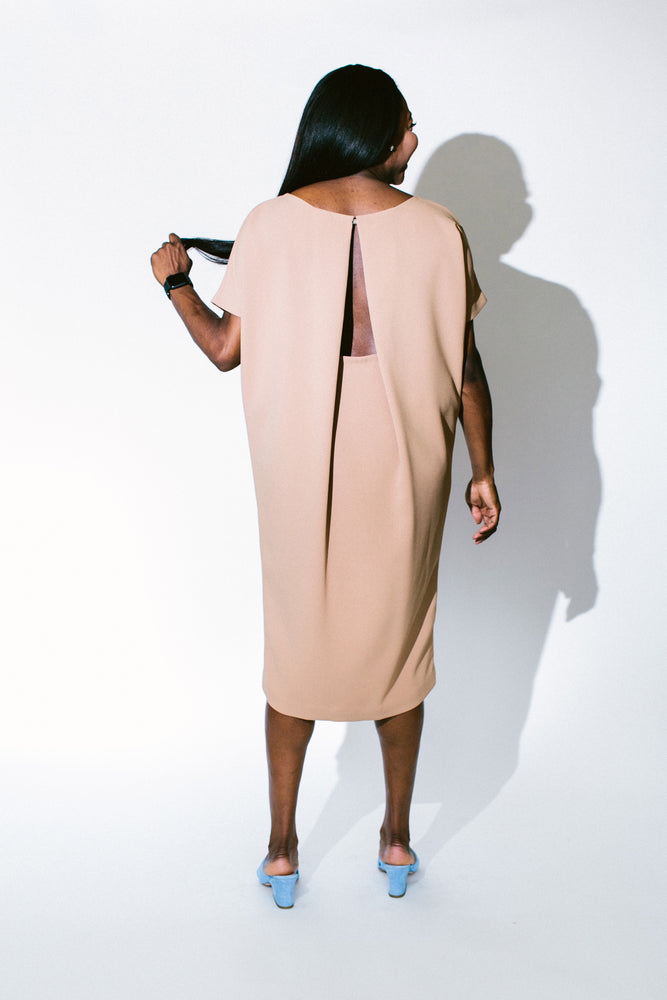 Load image into Gallery viewer, triangle open back dress - basic.