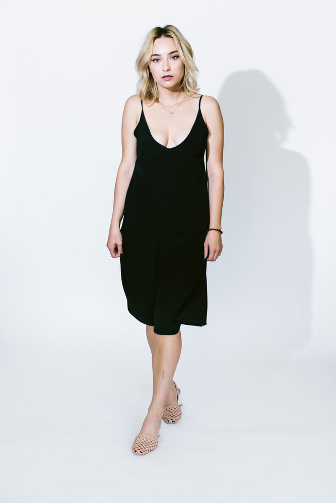 black jules dress