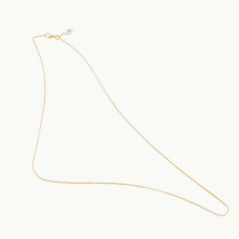 Petite solid yellow gold LoveLoops chain