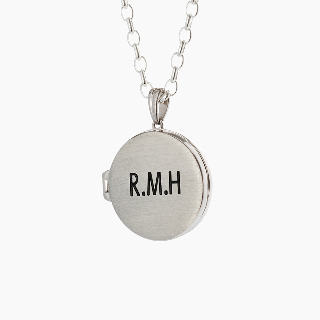 Personalised jewellery with custom engraving on locket with chain