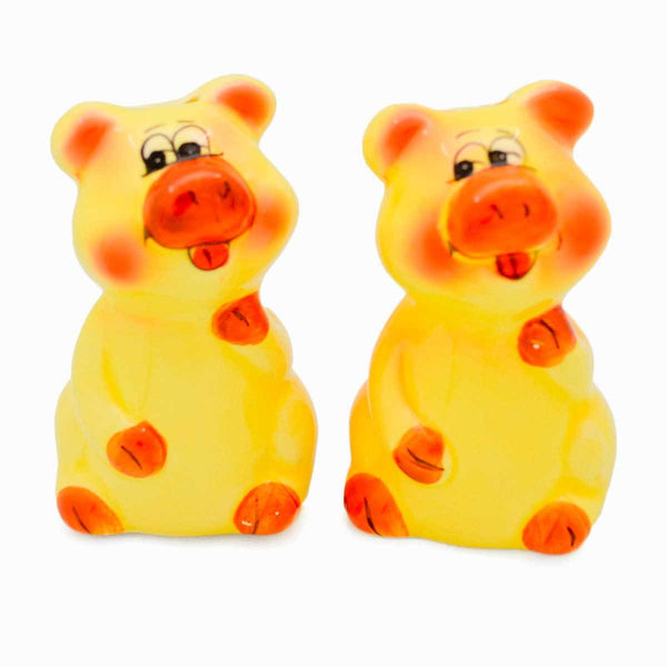 Animal Salt and Pepper Shakers Pigs Basket