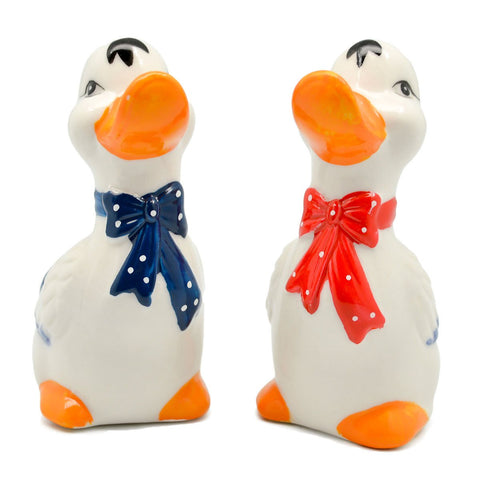 Animal Salt and Pepper Shakers Ducks Basket