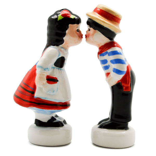 Italian Gift Idea with Italy Kissing Couple S&P Set