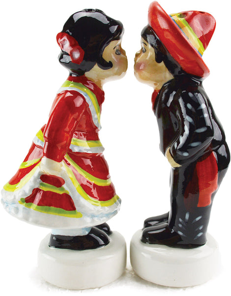 Mexican Gift Idea with Mexico Kissing Couple S&P Set