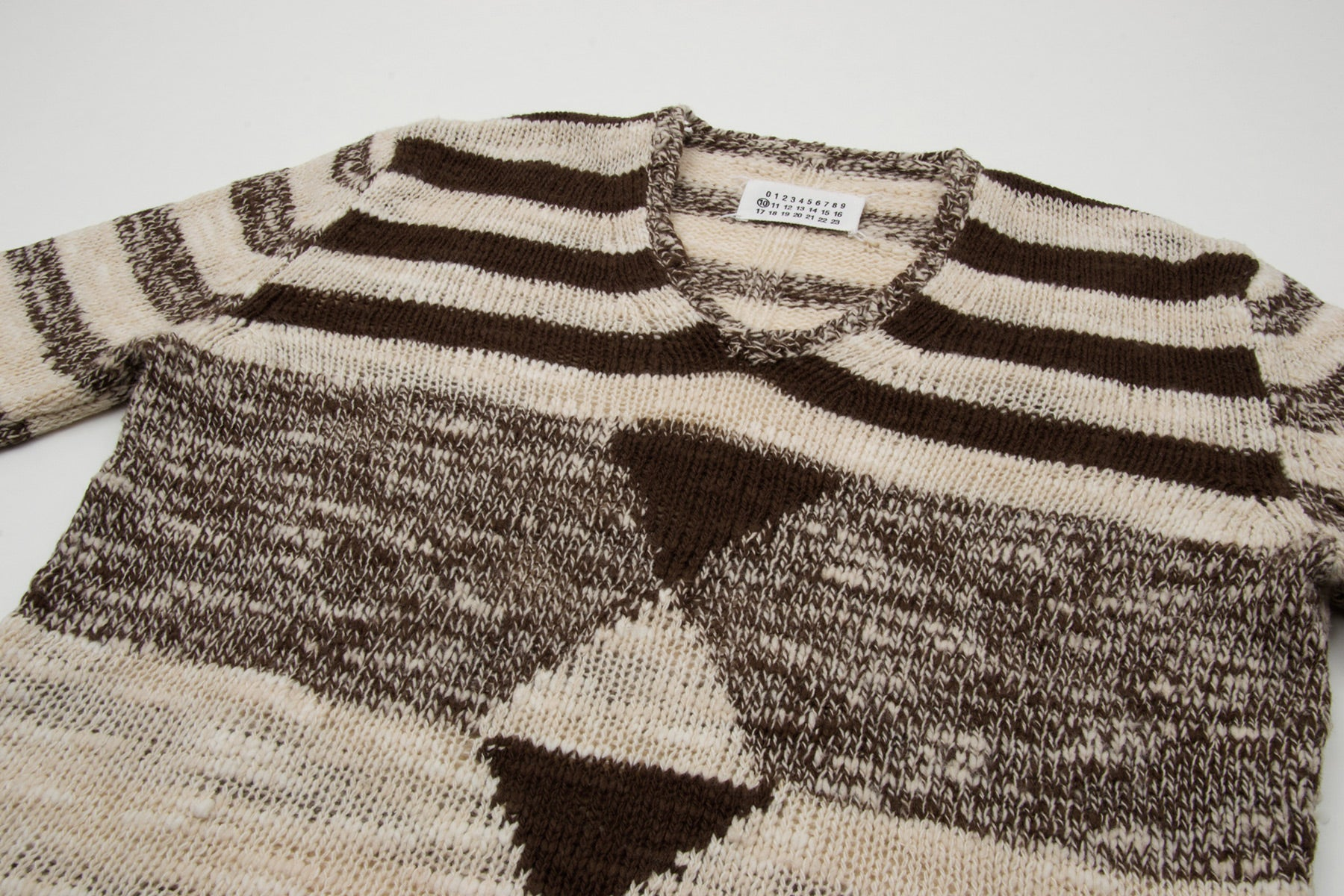 2007 A/W IRREGULARY KNITTED V-NECK SWEATER