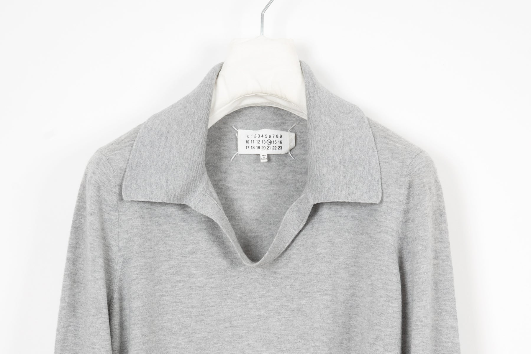 2014 S/S 3D COLLAR SWEATER WITH LAMB SUEDE ELBOW PATCHES