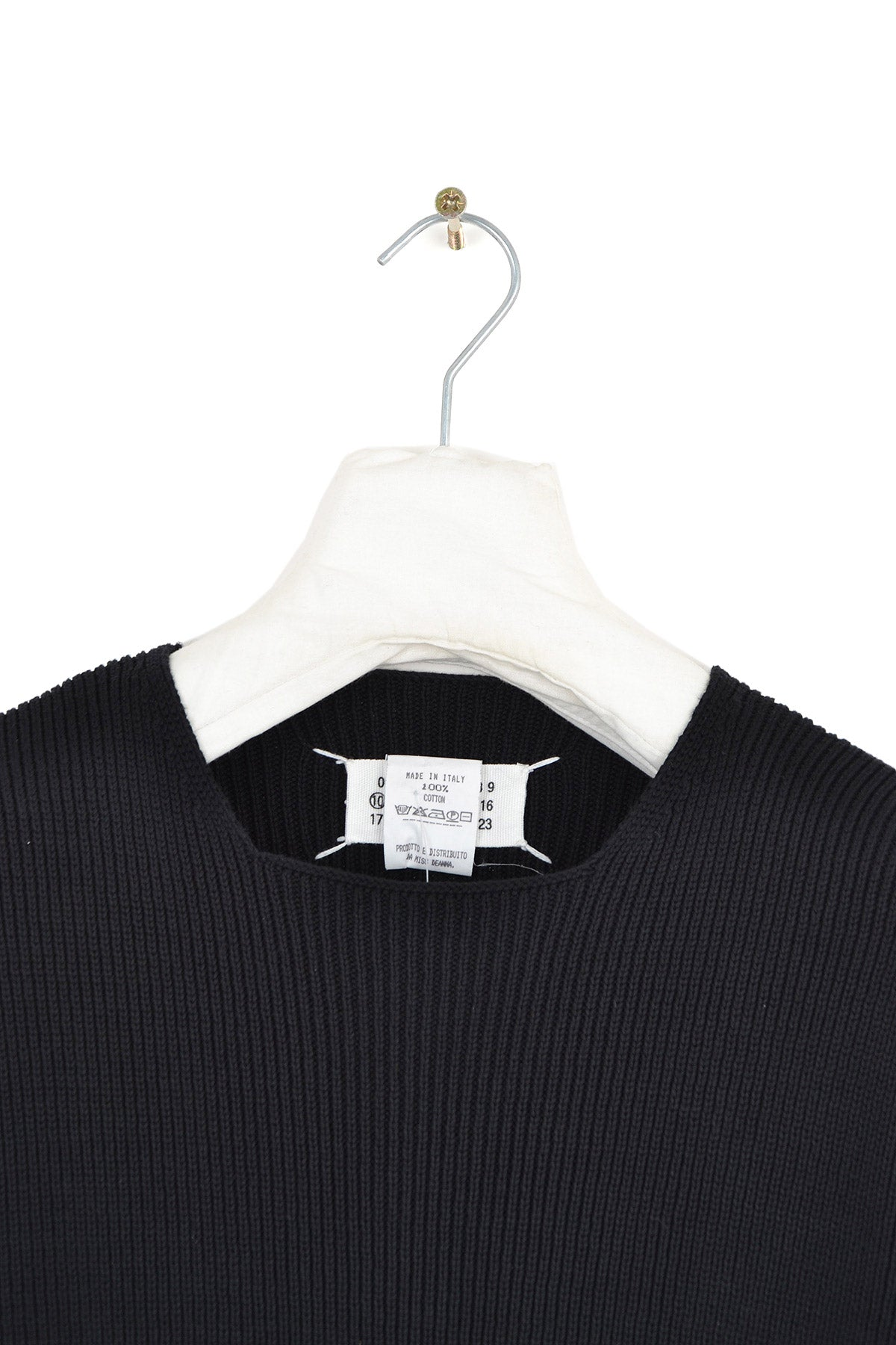 2000 A/W THICK RIBBED SWEATER WITH NECK DETAIL BY MISS DEANNA