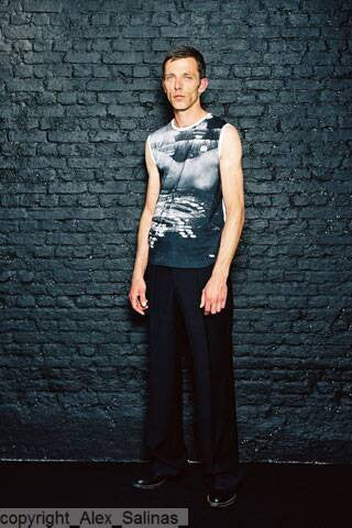 2005 S/S SLEEVLESS TOP WITH RASTER PHOTO PRINT