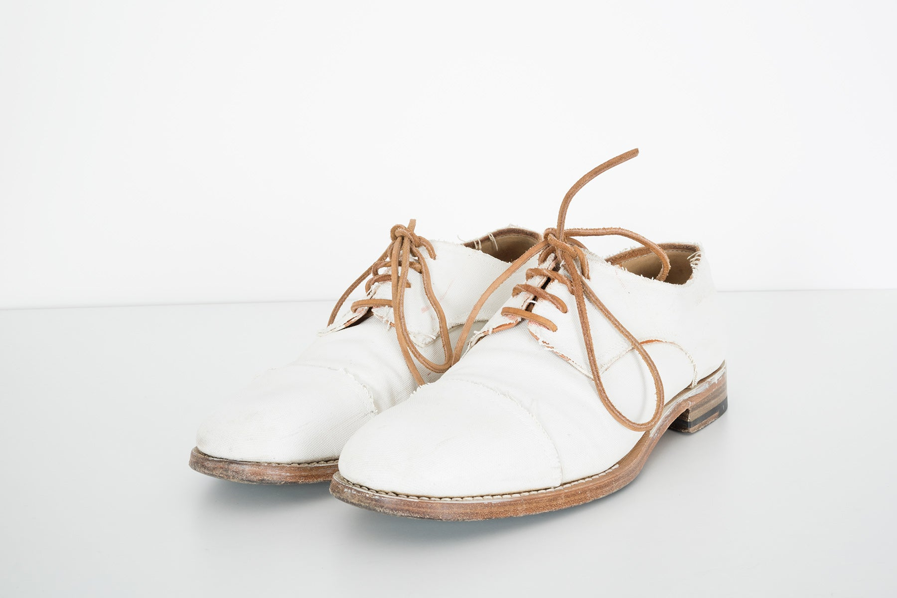 2006 S/S HAND-PAINTED CANVAS CAPTOES WITH LEATHER LACES
