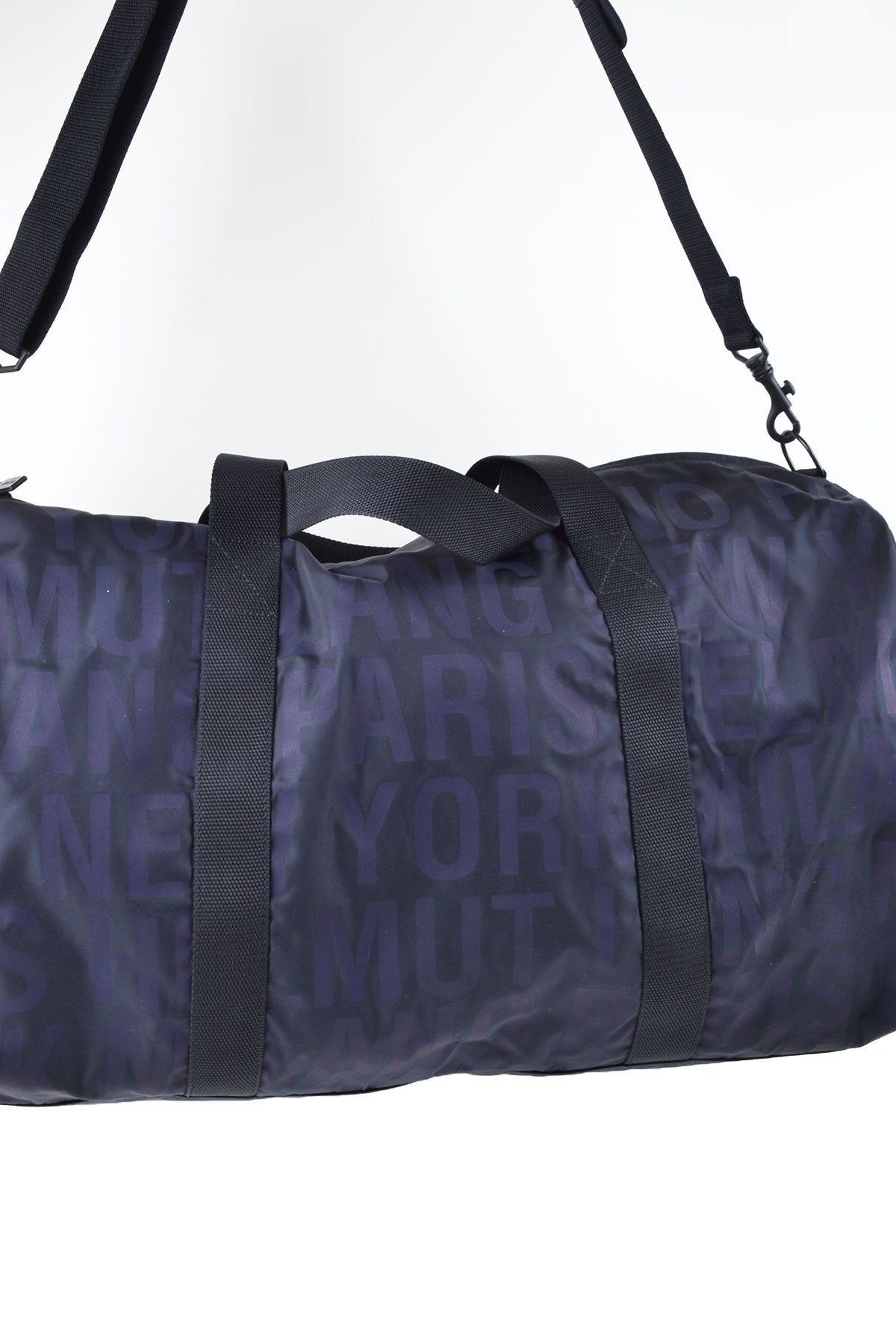 2004 A/W WEEKEND BAG WITH PRINTED BRANDING