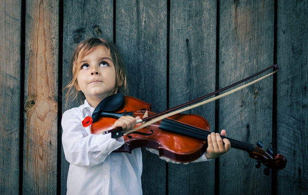 Strings for tots: the benefits of learning to play the violin at a young age