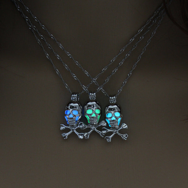 Glow In The Dark Skull & Crossbones Necklace