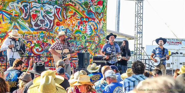 10/20  6:30-10pm Live music with The Grateful Bluegrass Boys!!  A 4 Peaks Music Festival Presentation
