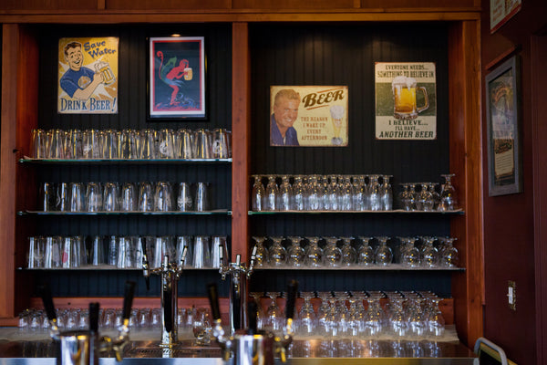 Broken Top Bottle Shop - craft beer on tap bend oregon restaurant