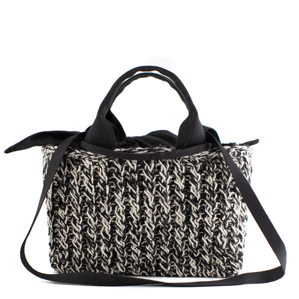 Muuñ / Small Wool Tote, Black/Ecru