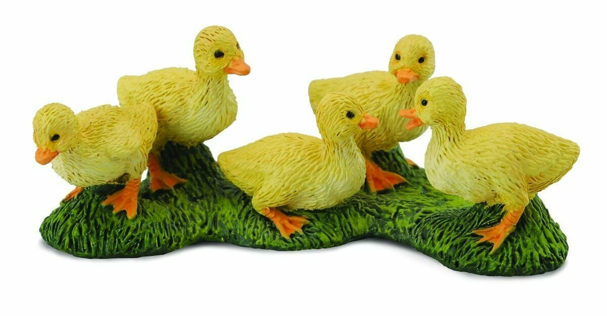 COLLECTA Animal Figurine – Set of 5 Duckings #88500