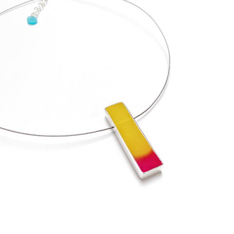 Banded cable necklace yellow and fuchsia