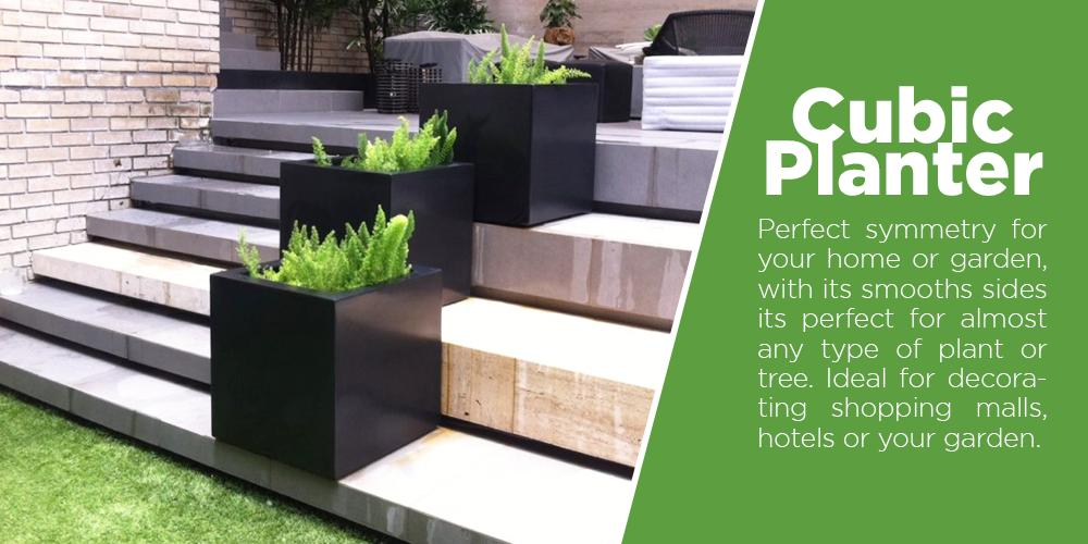 Venice planters are perfect for outdoor areas, around pools or in your garden, with their shape and size this fiberglass planters can decorate larger areas without removing visibility of the area. And the smaller models are ideal for flower decorations over half walls or tables in your garden.