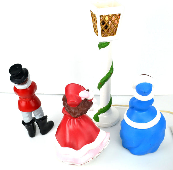 Christmas Caroling Family Set Of 4: Vintage Collectibles