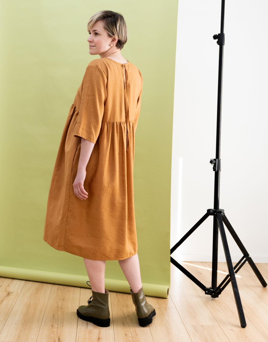 Geneva Dress in Linen (Size M)