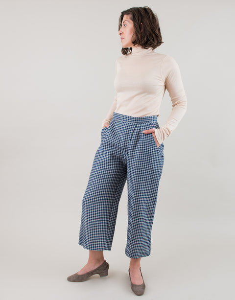 Small batch casual chic clothing sustainably handmade for every woman. Blue Ivory Gingham Linen Cropped Pants.