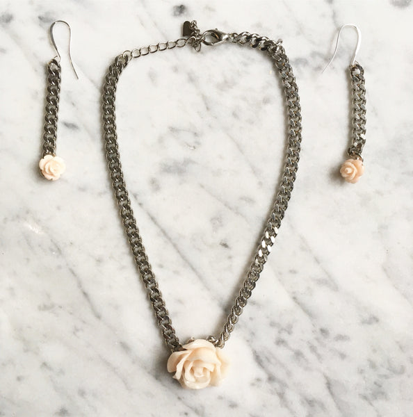 Silver Curb Chain Rose Necklace
