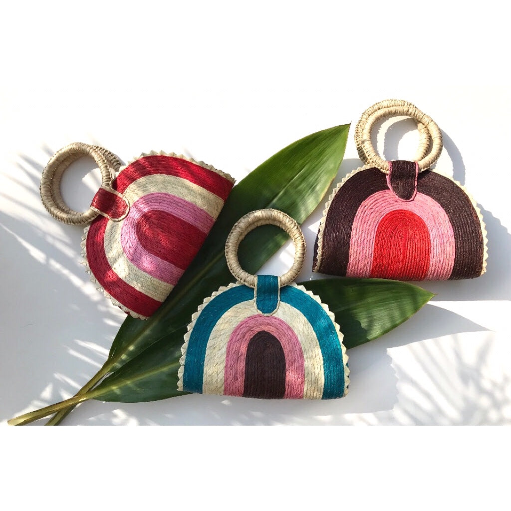 Quesadilla Bag in pomegranate handmade in Mexico from 100% natural palm leaves