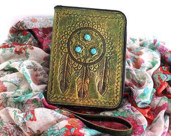 TOOLED TRIBAL WALLET / Hand Carved Leather Clutch. Wallet Zipper.