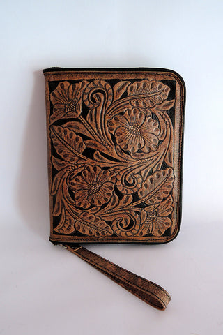 WOMENS WALLET HANDCARVED / Hand Tooled Leather Clutch. Wallet Zipper