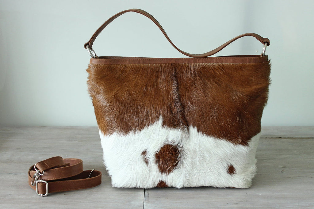 COWHIDE PURSE, COWHIDE Handbag, Leather Tote Bag. Country Tote Bag in Calf Hair Brown and White Designer Bag, Sling Bag, Zipper Top Bag