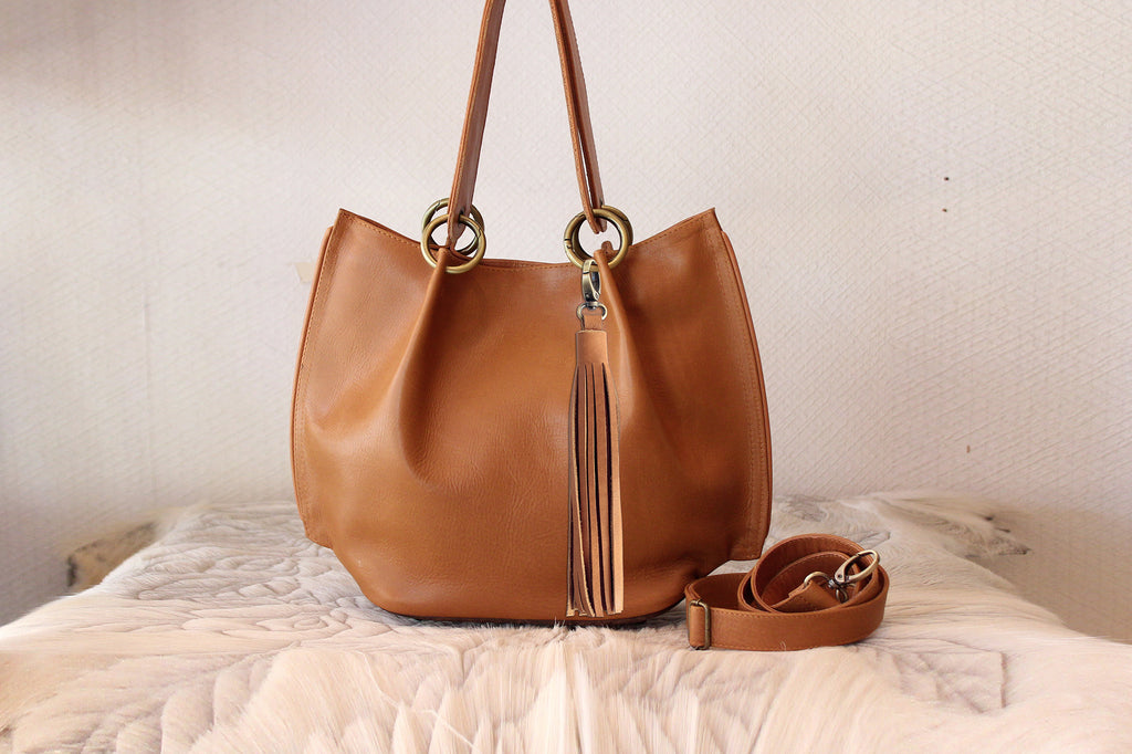 TAN HANDBAG TOTE Bucket in Leather. Top Handle Bag, Vintage Cross Body Bag, Shoulder Bag, Tote Bag w/ Short & Long Strap. Claire Chic Bag.