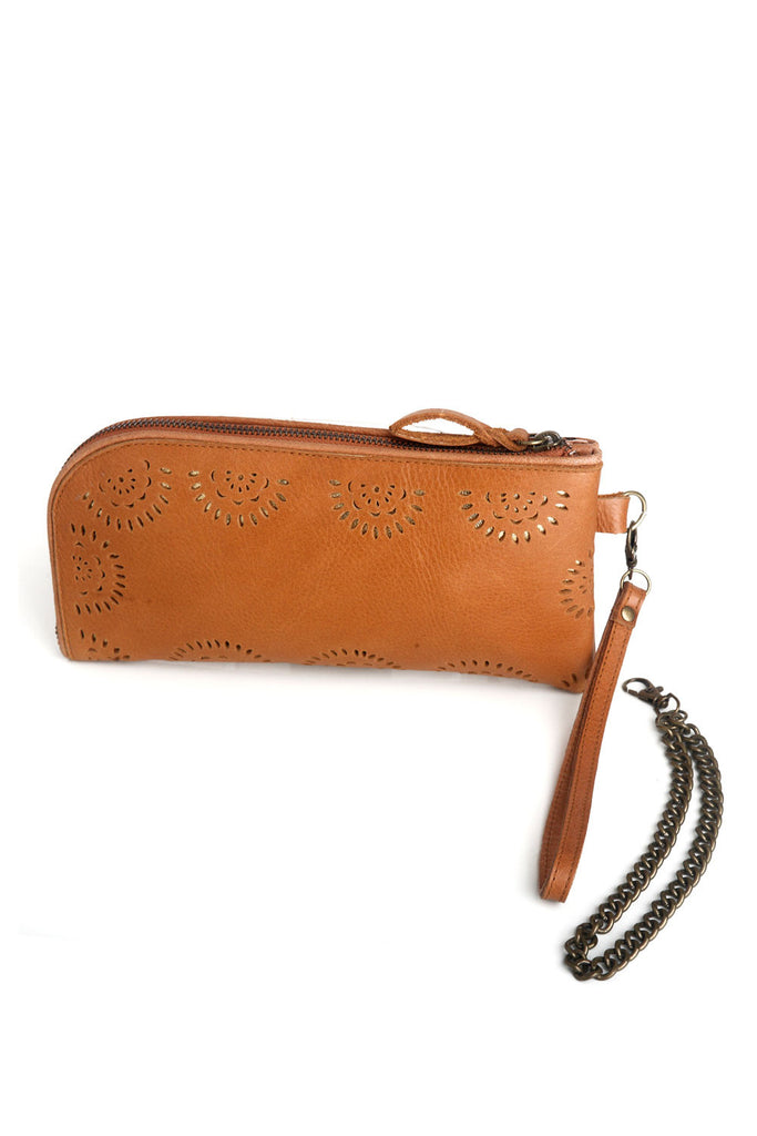 Eva Clutch Tan