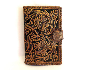 Women's Leather Wallet in Blonde Vegetable Tanned Leather. Antique Wallet