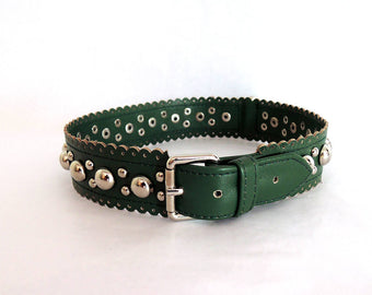 DOG COLLAR Leather, Handmade Leather Collar with Scallop Trim & Studs.